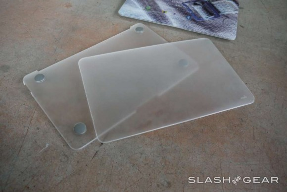 low priced 4037b e443f Moshi iGlaze for MacBook Air 11-inch and iPad 3 Review - SlashGear