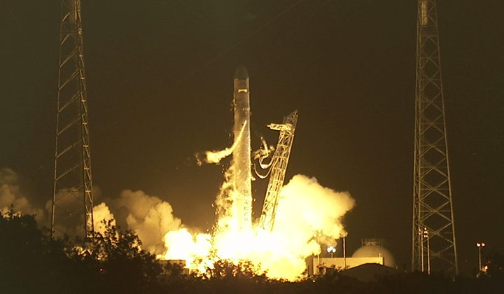 SpaceX Dragon successfully launches: New age of private spaceflight