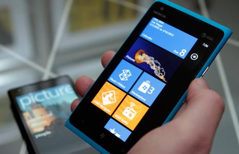 Nokia Lumia 900 update fixes purple screen hue