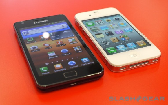 Apple and Samsung captured 55% of smartphone market, 90% of its profits