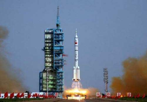 Chinese automatic manned space docking completed successfully