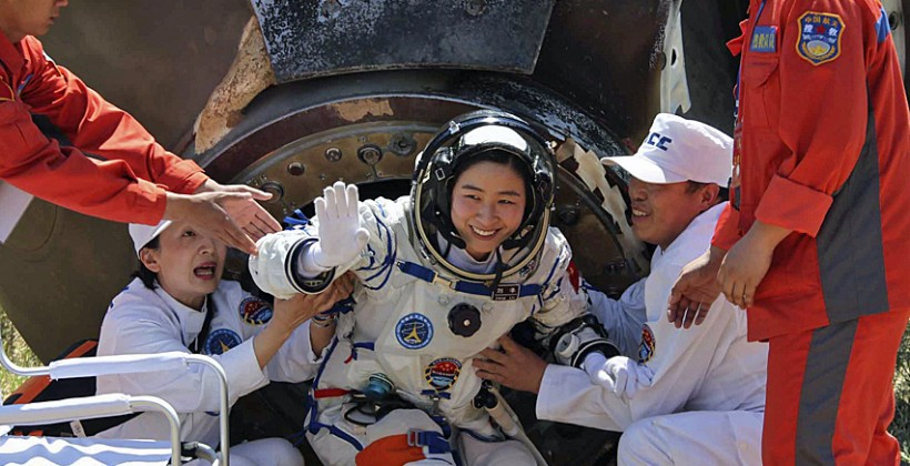 Chinese space crew land safely after a successful mission