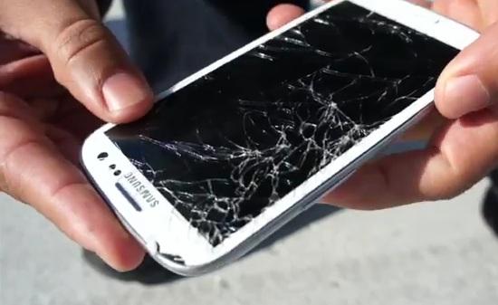 Samsung Galaxy S III handles drops worse than iPhone 4