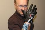 "Motion control ""Minority Report"" power glove for Xbox 360 Kinect"