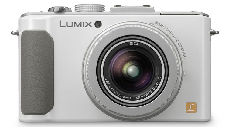 Panasonic LUMIX LX7 brings a compact processing power punch