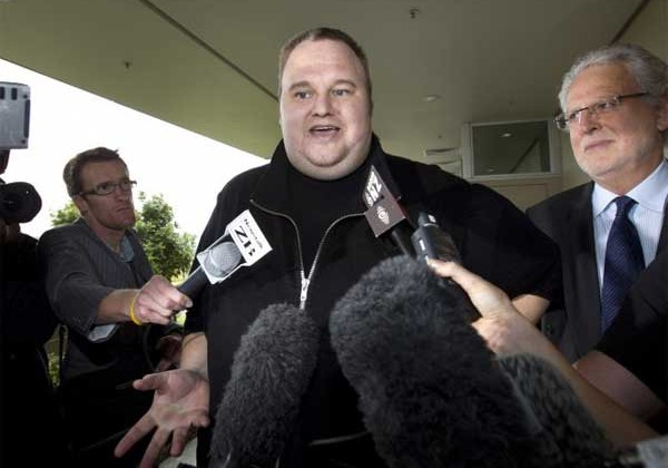 Extradition hearing for Megaupload founders postponed until March 2013