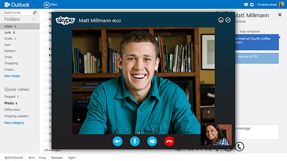 Microsoft launches Outlook.com to challenge Gmail