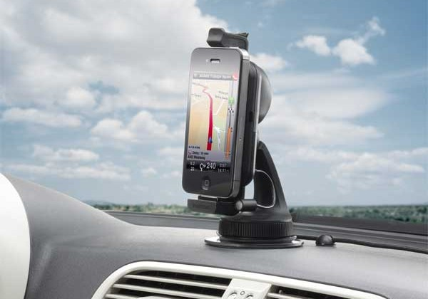 TomTom launches new hands-free car kit for smartphones