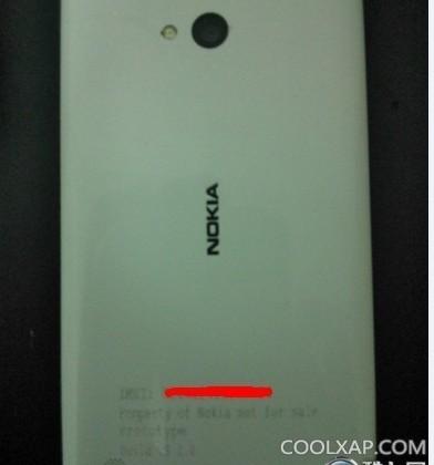 Nokia Lumia 820 Arrow photos leak with WP8 aboard