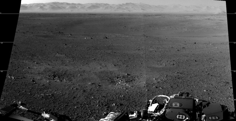 Curiosity beams back postcards of new Martian crater home