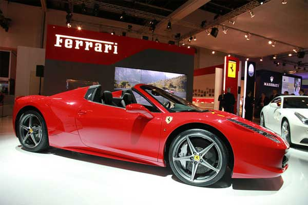 Ferrari owning Italians are subject to tax audit