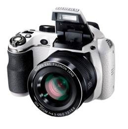 Fujifilm introduces FinePix S4200 and SL240 bridge cameras