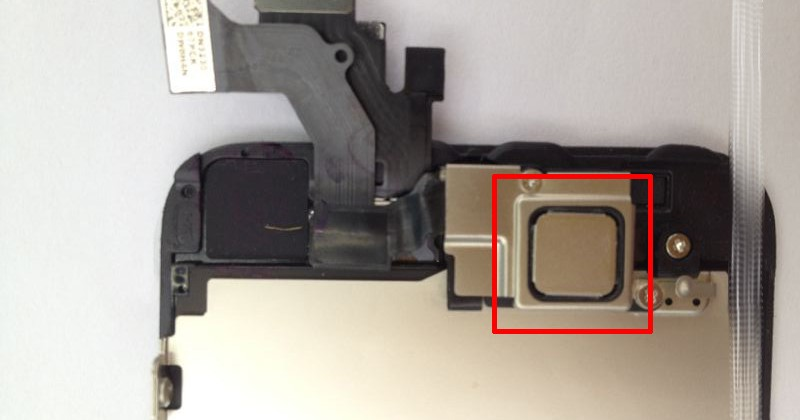 iPhone 5 assembled front panel leaks: NFC supposedly spotted