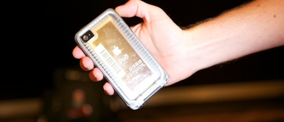 LifeProof iPhone 4/4S case and NUUD iPad case hands-on