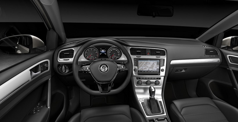 2013_volkswagen_golf_official_7