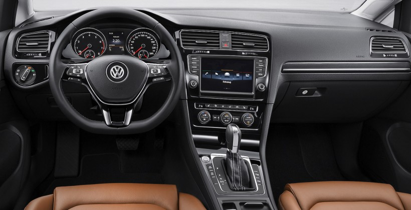 2013_volkswagen_golf_official_8