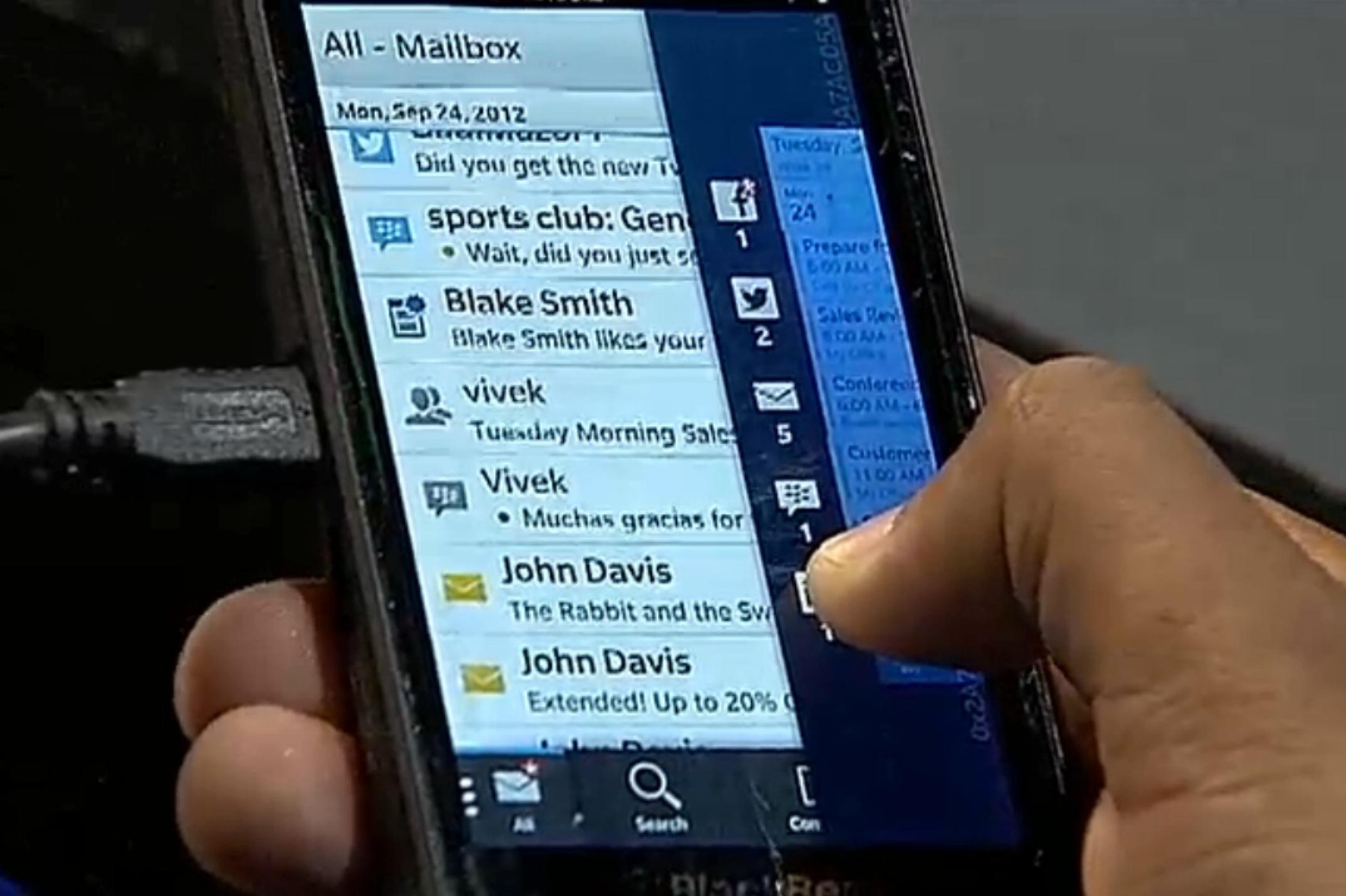 BlackBerry 10 Peek finesses notifications - SlashGear