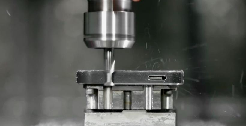 iPhone 5 video with Jony Ive describes next-level precision