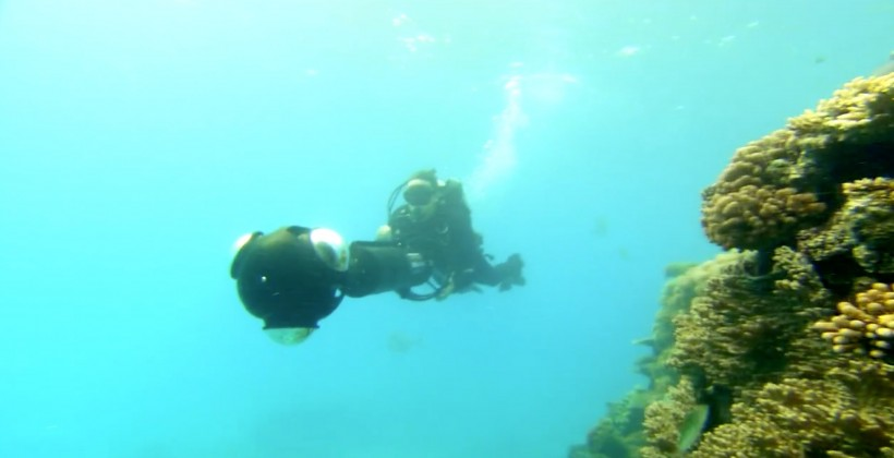Google Street View goes diving with underwater panoramas