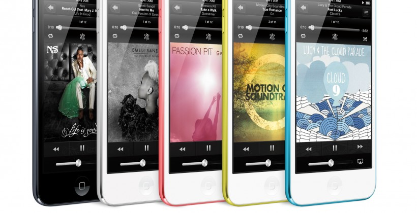 iPod_touch_34L_5Up_AllColors_NowPlaying_PRINT