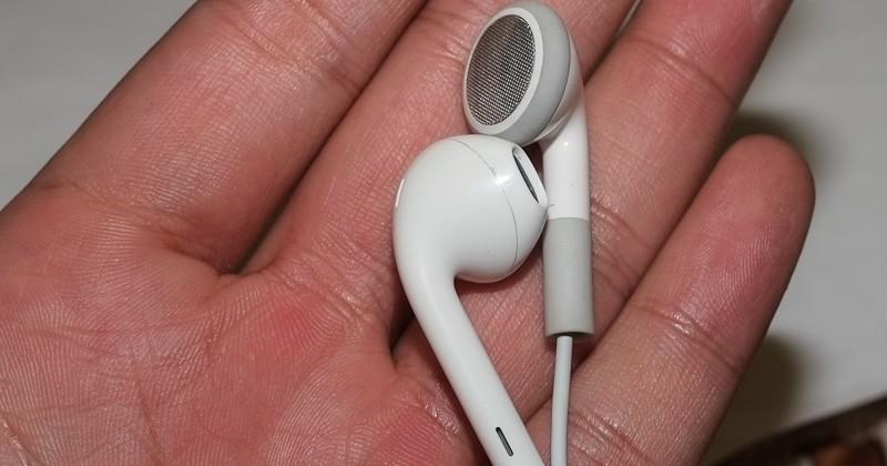 iPhone 5 headphones redesign prepare Apple for inevitable iTunes event