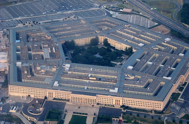 Pentagon planning to adopt iOS, Android along with BlackBerry