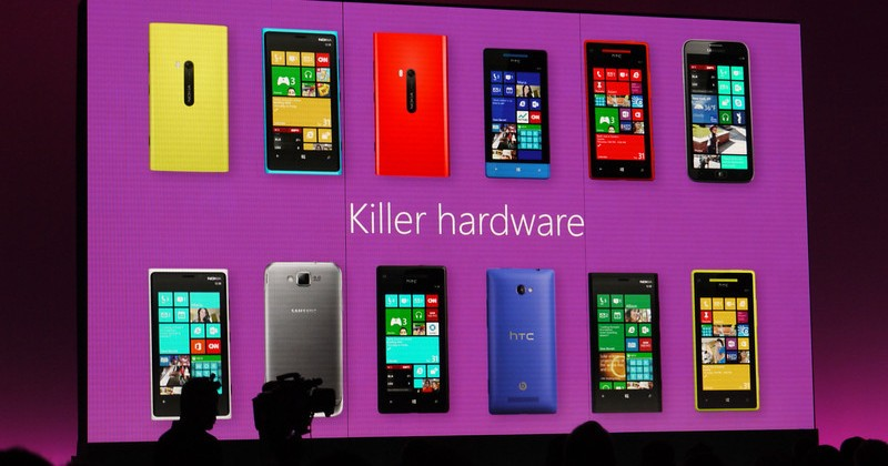 Windows Phone 8 devices hitting retail this weekend