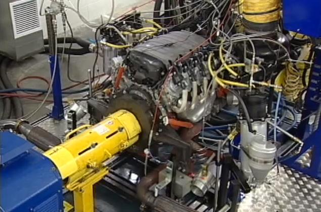 Chevrolet unveils 2014 Corvette 450HP V8 motor