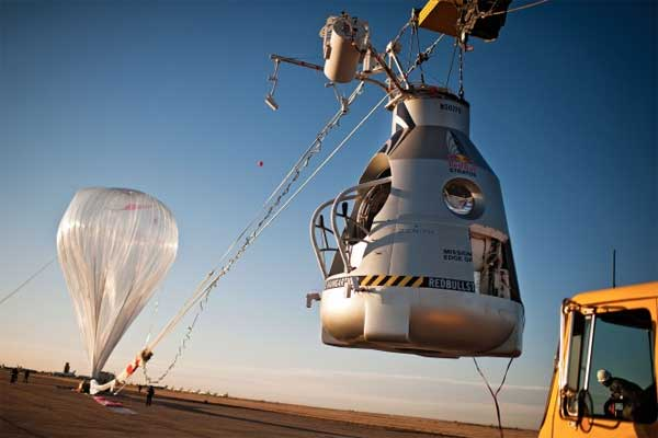 Record-setting skydive will require world's biggest balloon