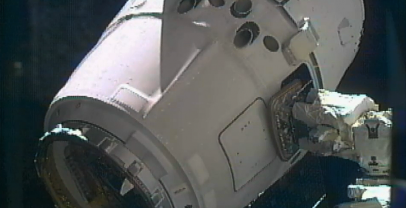 Dragon Captured  Spacex U0026 39 S First Iss Supply Mission Is A