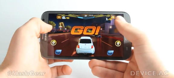 Samsung Galaxy Note II hands-on with quad-core gaming