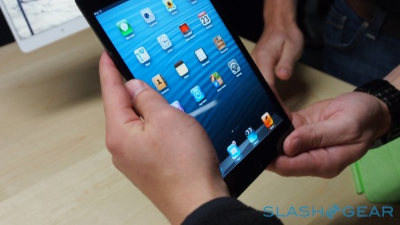 Tim Cook says iPad mini is in a different league than 7-inch tablets