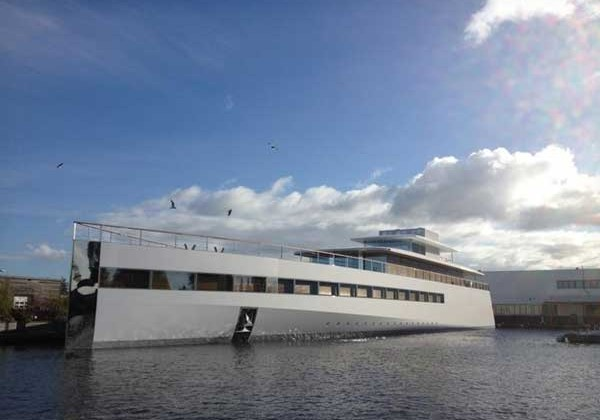 Steve Jobs' yacht makes its first official appearance