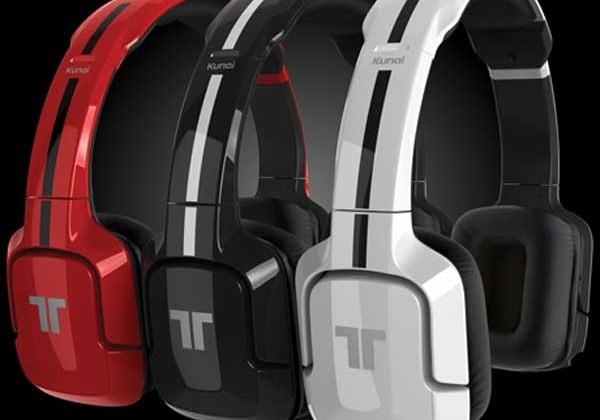Mad Catz Kunai stereo gaming headset for PS3 and PS Vita ships