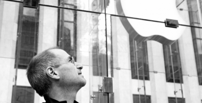 Apple remembers Steve Jobs with video tribute