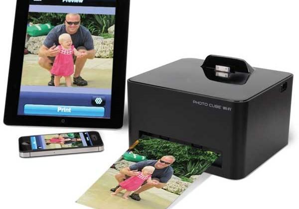 Hammacher Schlemmer launches Wireless Smartphone Photo Printer