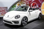 New convertible VW Beetle debuts in LA