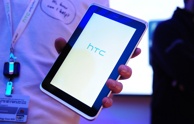 HTC to offer 7-inch and 12-inch Windows RT tablets, sources say