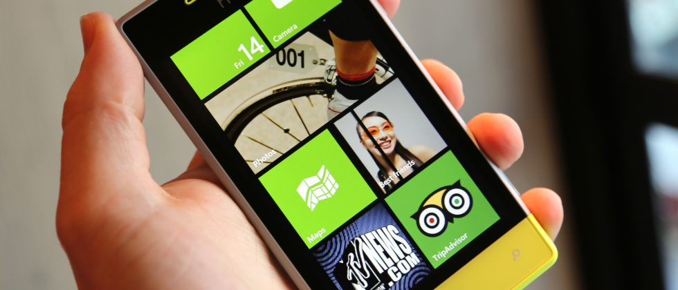 HTC Windows Phone 8S now available on Three