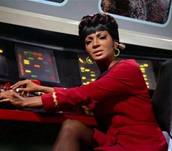 1icon-nichelle-nichols-as-lt-uhura--star-trek.boximg
