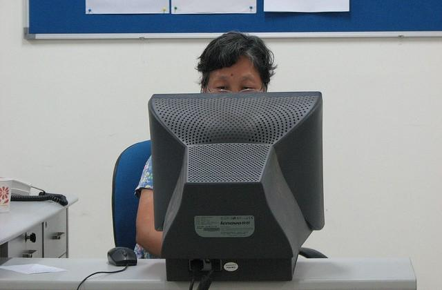 China adds 51 million internet users in 2012