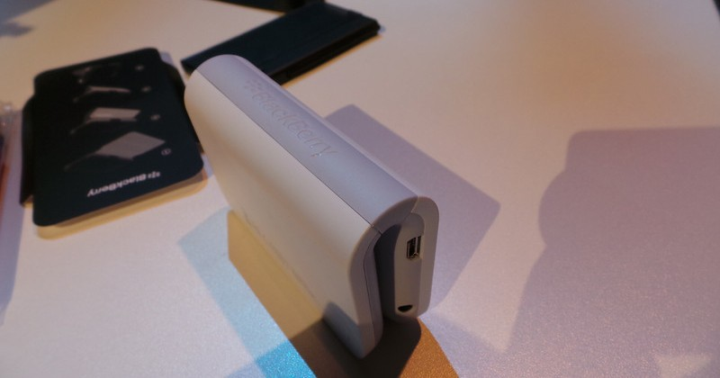 BlackBerry Z10 Accessories hands-on: Bluetooth Speaker, Charger, holsters galore