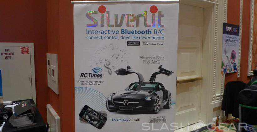 SilverLit Mercedes-Benz iOS controlled RC Car Hands-on