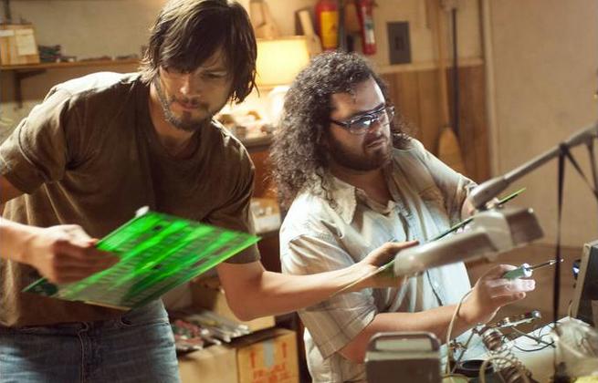 Steve Jobs biopic photos reveal Woz in action