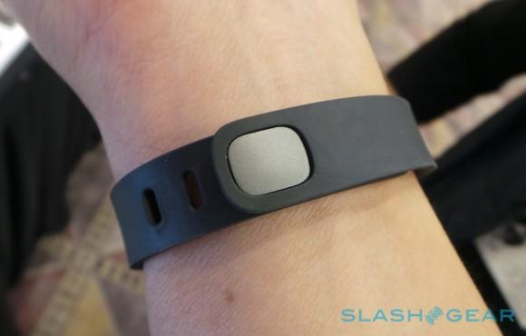 fitbit_flex_hands-on_sg_2