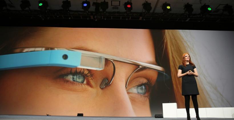 "Google Glass ""in flux"": Battery, cloud apps & controls still work-in-progress"
