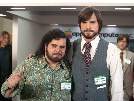 Ashton Kutcher and Josh Gad making an appearance at Macworld/iWorld 2013