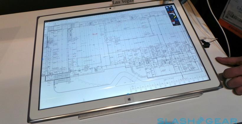 panasonic_20-inch_4k_tablet_hands-on_sg_11
