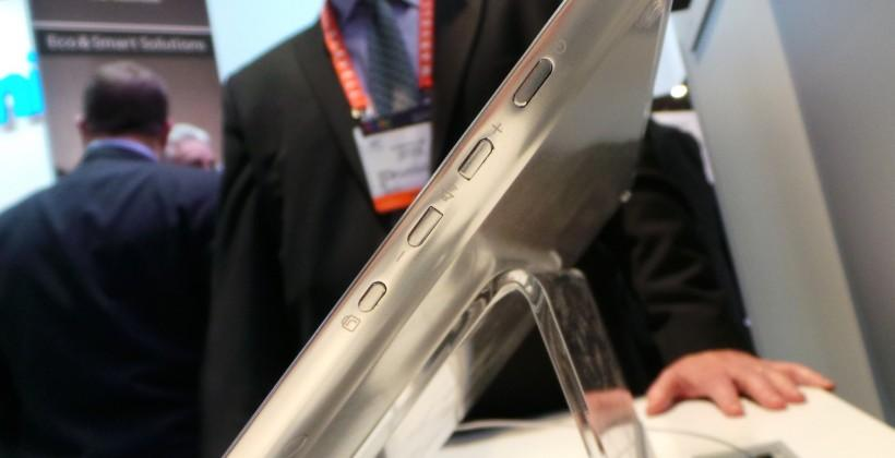 panasonic_20-inch_4k_tablet_hands-on_sg_18
