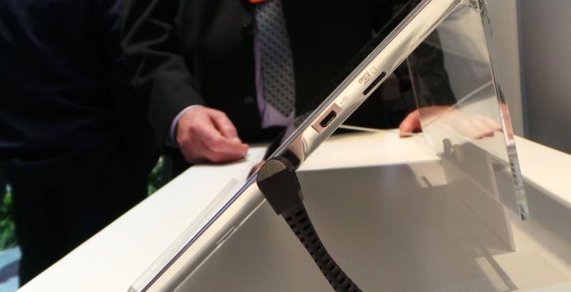 panasonic_20-inch_4k_tablet_hands-on_sg_19